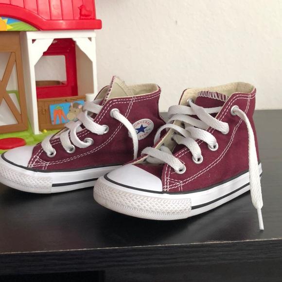 Toddler converse size 7 35f1e9211